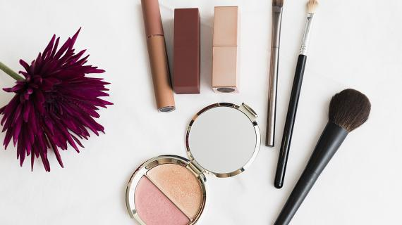 Best Magento 2 Cosmetics & Beauty Theme to win more Hearts!